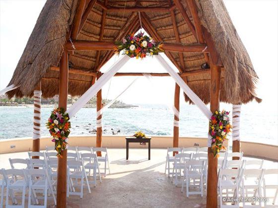 Wedding setting overlooking the ocean