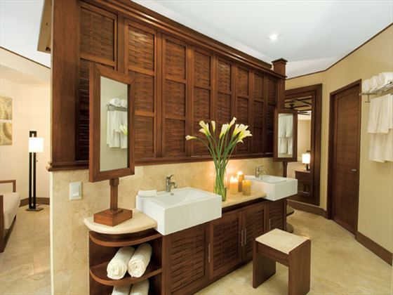 Dreams Riviera Cancun Resort & Spa Premium Deluxe bathroom