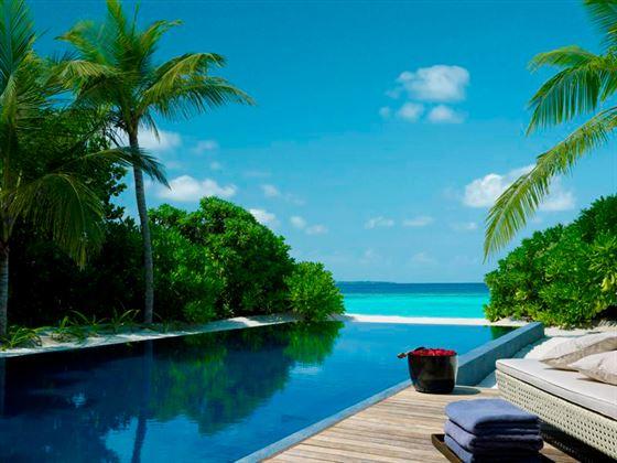 Dusit Thani Beach Residence swimming pool