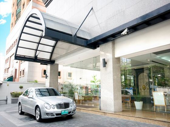 Entrance to Cape House Langsuan Serviced Apartments