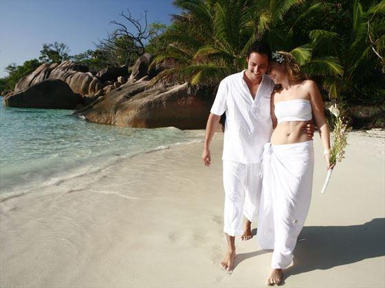 Wedding romance in the Seychelles