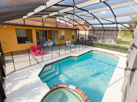 Executive Plus Resort Typical Swimming Pool