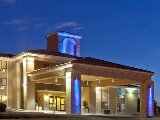 Holiday Inn Express Exterior at night