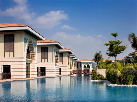 Exterior view of Lagoon Residences at Jumeirah Zabeel Saray