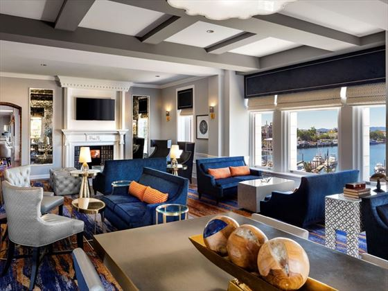 Fairmont Empress, Fairmont Gold Lounge
