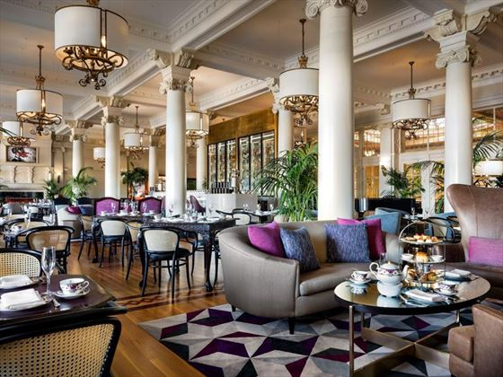 Fairmont Empress lobby lounge