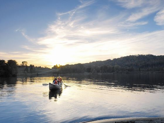 Kayaking around Huntsville (Ontario Tourism)