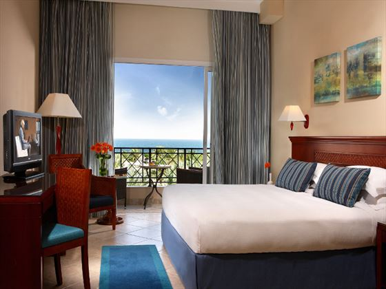 Fujairah Rotana Resort & Spa Classic King Room