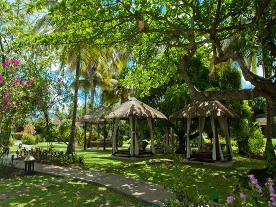 Garden seating at Sandals Halcyon Beach St Lucia