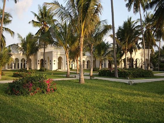 Baraza Resort & Spa gardens