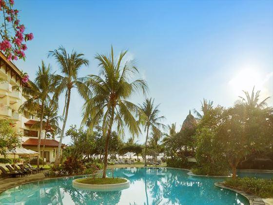 Grand Mirage Resort pool