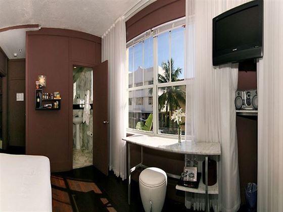 Hotel Shelley Guestroom