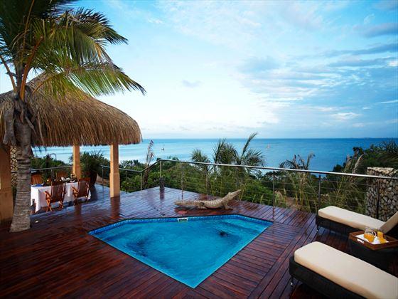 Indigo Bay Resort & Spa swimming pool