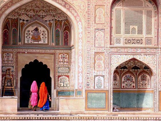 Women walking in Jaipur