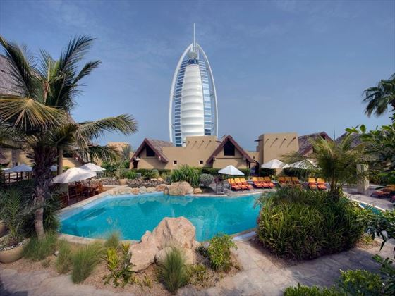 Jumeirah Beach Hotel exclusive swimming pool