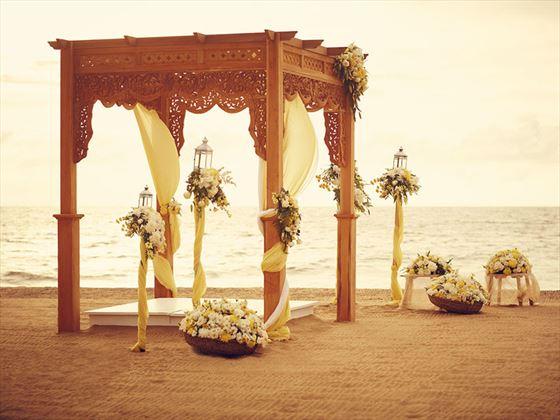 The Poruwa wedding setting, Jetwing Beach