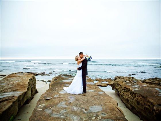 Beachside wedding couple on La Jolla