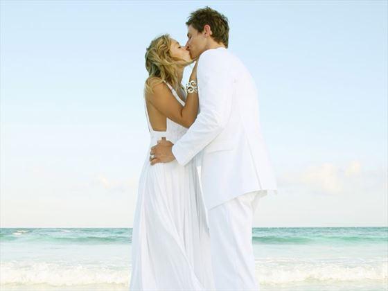 Wedding couple at Le Blanc