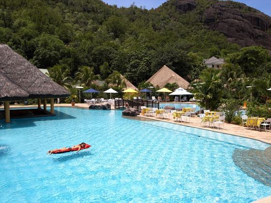 Le Domaine de la Reserve pool