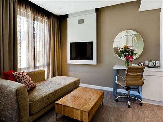 Protea Hotel Breakwater Lodge Waterfront living area