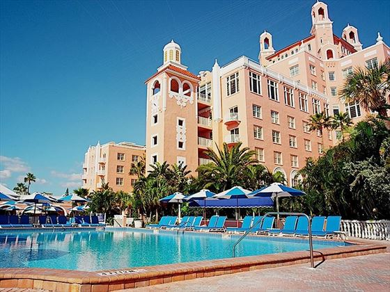 Loews Don Cesar hotel and pool