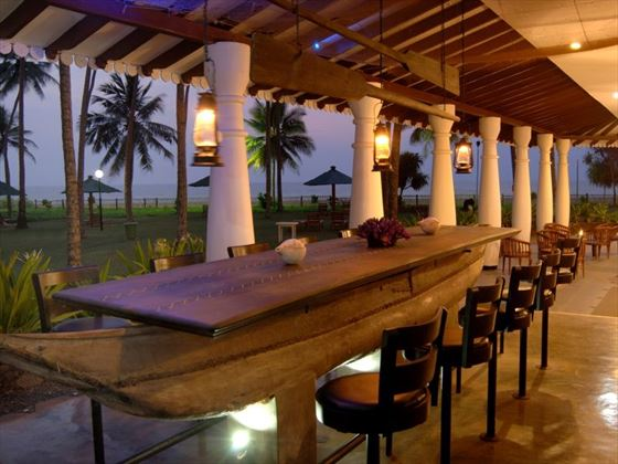 Lounge Bar Terrace