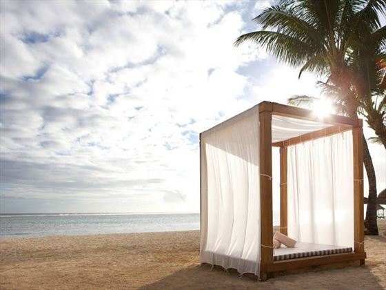 Enjoy the love beds with beach service, you don't have to make any efforts
