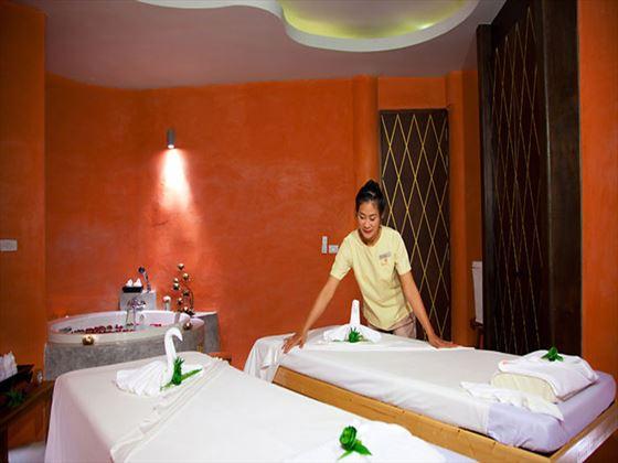 Mai Khaolak Beach Resort & Spa treatment room
