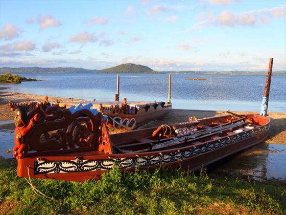Maori boat, Rotorua