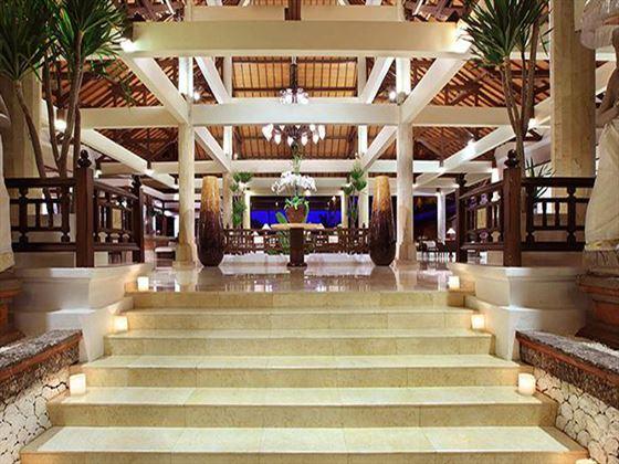 Melia Benoa lobby