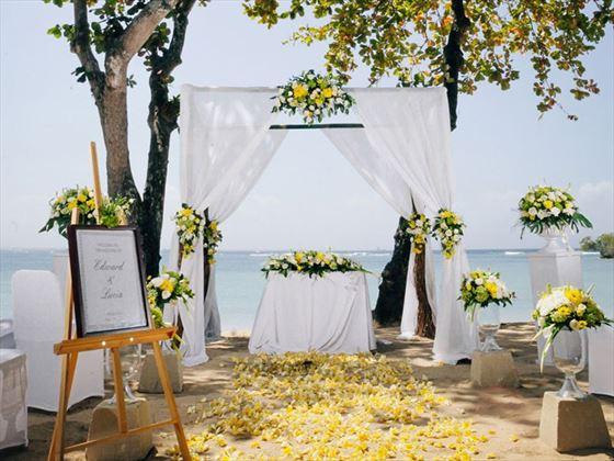 Beach weddings at Meliá Bali