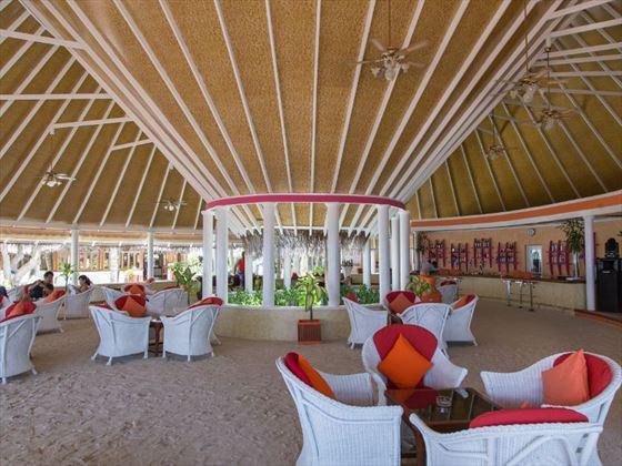 Nautilus Bar at Vilu Reef Beach & Spa Resort