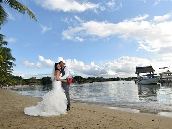 Beach wedding, The Ravenala