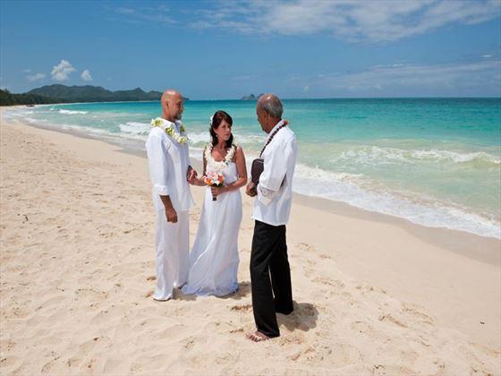 Wedding on the beach, Oahu