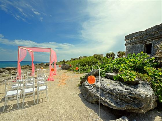Mayan ruins wedding setting