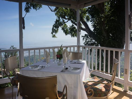 Outdoor dining at Strawberry Hill