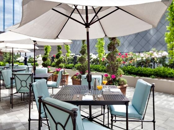 L'Hermitage Outdoor Dining