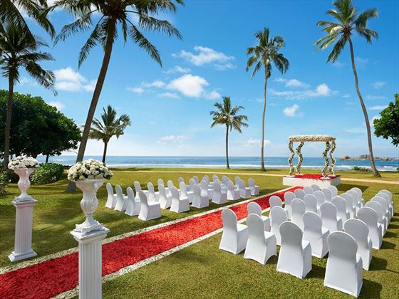 Wedding setting at Hikka Tranz by Cinnamon