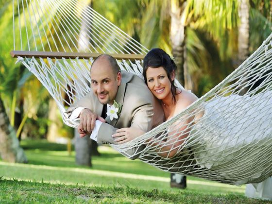 Relaxing honeymoon moments at he Paradis Hotel & Golf Club