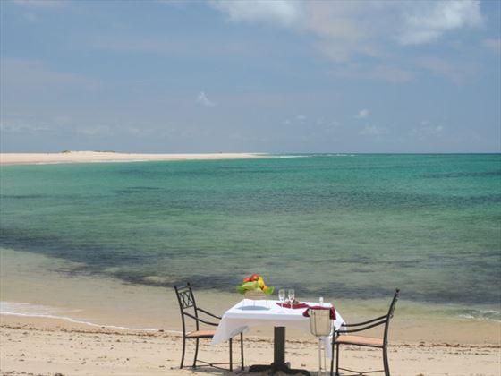 Pestana Bazaruto Lodge beach dining