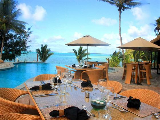 Poolside dining at Nautilus Resort