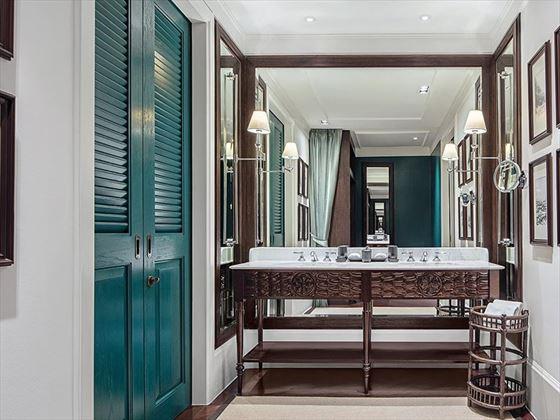 Rajah Brooke Suite Bathroom, 137 Pillars House