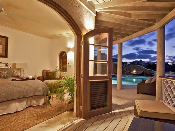 Double bedroom and balcony