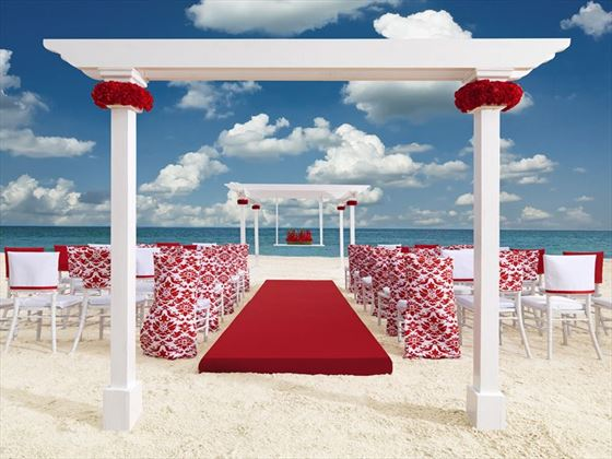 Romantic red theme for the Luxury Wedding package