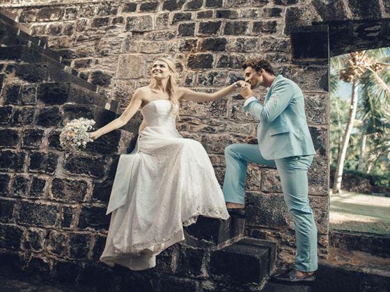 Wedding couple at the ruins, Martim Resort & spa