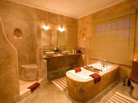 Sabyinyo Silverback Lodge bathroom