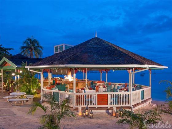 Sandals Negril Beach Resort & Spa, Cucina Romana