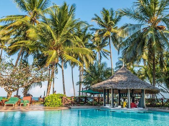 Serena Beach Resort swim up bar