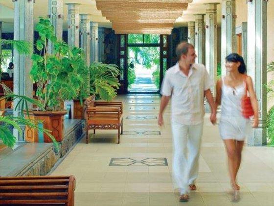The expansive lobby at Shandrani