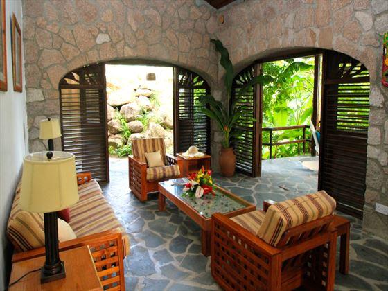 Stonefield Estate Villa Resort living room
